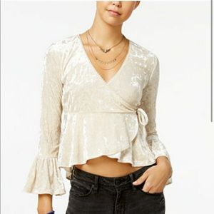 American rag woman's velvet Bell sleeves top